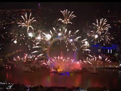 新年を祝うロンドンの花火は芸術性溢れるエンターテインメント