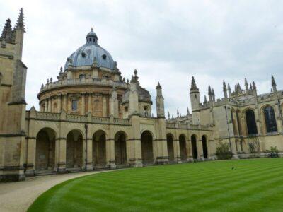 オックスフォード大学(学部)の出願資格 – 変更点に要注意